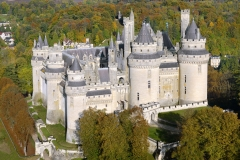 France, Oise (60), Pierrefonds, le château (vue aérienne) // France, Oise, Pierrefonds, the castle (aerial view)
